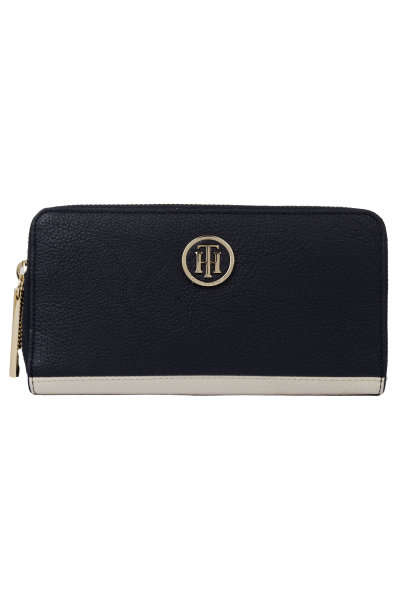 c4e4fc4f606f2 Core wallet Tommy Hilfiger navy blue. AW0AW04892