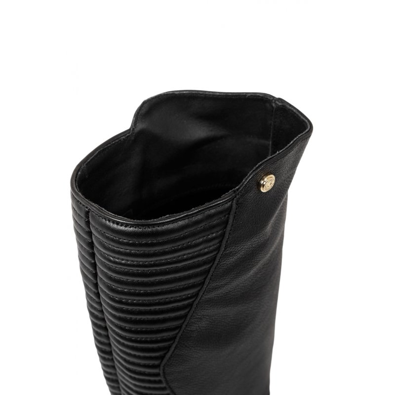 Biker Quilted Boots Love Moschino black