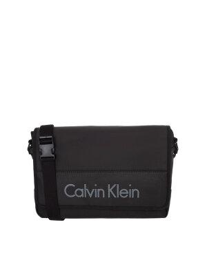 Calvin Klein Jeans 15